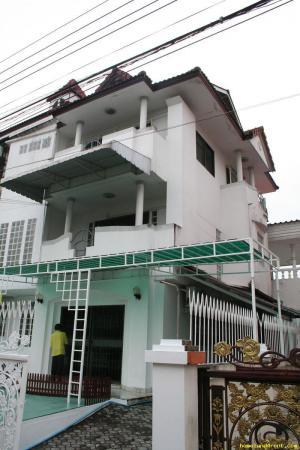 บ้านทาวเฮ้าส์ 4 ชั้น ใกล้แยกอ่อนนุช-พัฒนาการ ประเวศ เขตประเวศ กรุงเทพมหานคร