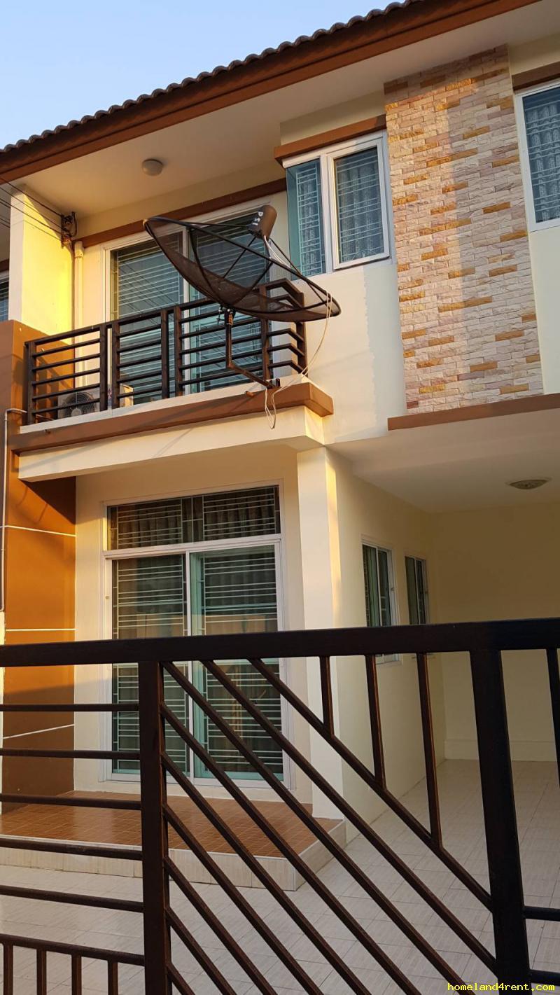 ทาวน์เฮาส์พร้อมเฟอร์นิเจอร์ 14000 ชลบุรี เมืองชลบุรี แสนสุข
