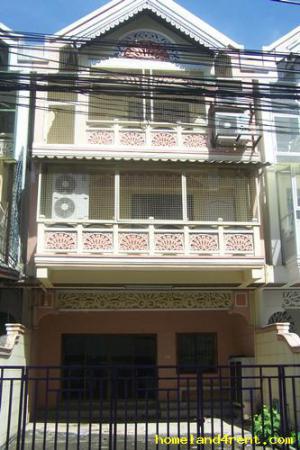 บ้านแฝด 3ชั้นให้เช่า-ขาย  ถนน.ลาดพร้าว ซอย92 แขวง วังทองหลาง เขต วังทองหลาง ก.ท.ม                           เขตวังทองหลาง กรุงเทพมหานคร