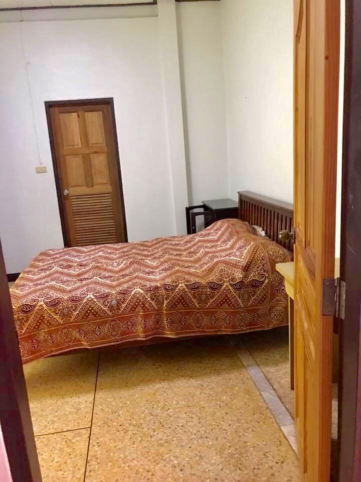 บ้านพร้อมเฟอร์นิเจอร์ 15000 ชลบุรี บางละมุง นาเกลือ