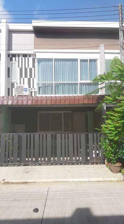 6A111543 ให้เช่าทาวน์เฮ้าส์สองชั้น 3 ห้องนอน 3 ห้องน้ำ พื้นที่ 22.5 ตรว. ราคาเช่าเดือนละ 13,000 บาท ใกล้โรงเรียนนานาชาติบริติช ต.เกาะแก้ว อ.เมือง