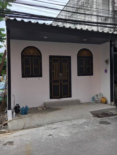 6A101194 ให้เช่าบ้านเดี่ยว 2 ชั้น 3 ห้องนอน 1 ห้องน้ำ พื้นที่ 20 ตรว. ใกล้โรงเรียนสตรีภูเก็ต ราคาเช่าเดือนละ 14,000 บาท