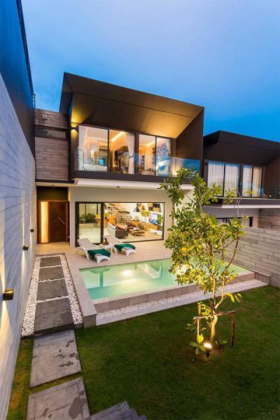 6A90892 ให้เช่าบ้าน Pool Villa สุดหรู 2 ชั้น 3 ห้องนอน 3 ห้องน้ำ พื้นที่ 303 ตรม. ใกล้ห้างรอยัลพารากอน ราคาเช่าเดือนละ 75,000 บาท