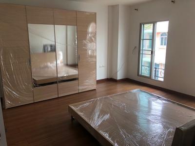ให้เช่า Townhouse  sukhumvit 77  170 ตรม. 30 ตรว. 3 bed  4 bath  BTS อ่อนนุช ราคา 25,000 บาท / เดือน fully furnished สนใจติดต่อได้ที่ กำไล Tel.0863284462 , ID Line 0863284462