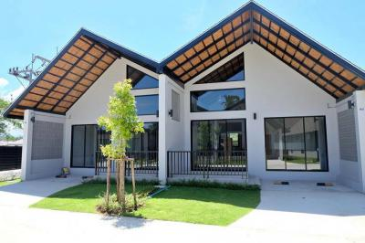 6A120500 ให้เช่าบ้านแฝดชั้นเดียว 2 ห้องนอน 1 ห้องน้ำ พื้นที่  64  ตรม. ใกล้หาดและท่าเรือยามู ราคาเช่าเดือนละ 15,000 บาท