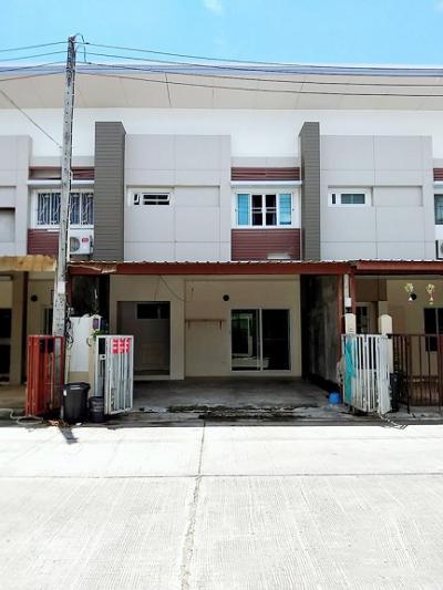 6A120509 ให้เช่าทาวน์เฮ้าส์สองชั้น  3  ห้องนอน 3 ห้องน้ำ พื้นที่ 22.5 ตรว. ใกล้อนุสาวรีย์ท้าวเทพกระษัตรี ราคาเช่าเดือนละ 10,000 บาท