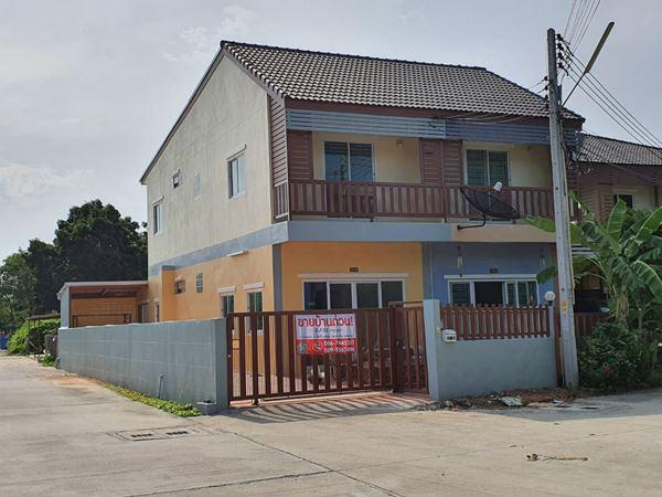 บ้านแฝด 1950000 ชลบุรี ศรีราชา สุรศักดิ์