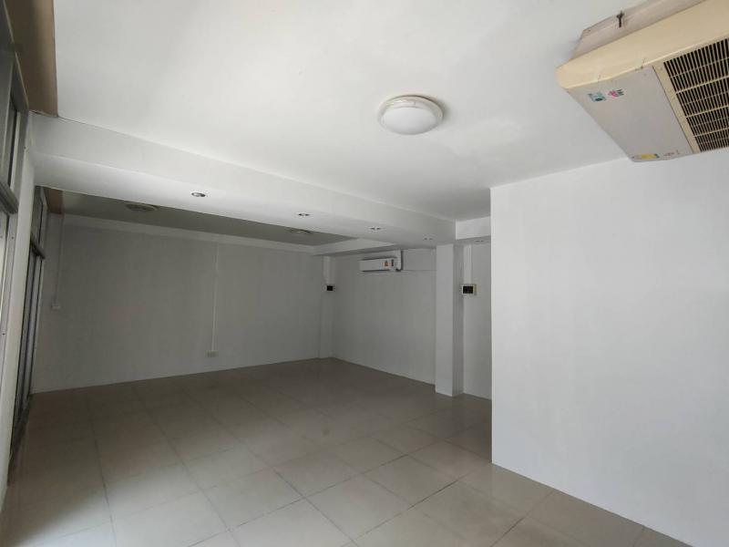 อพาร์ทเม้นท์ 5000 กรุงเทพมหานคร เขตบางกะปิ คลองจั่น