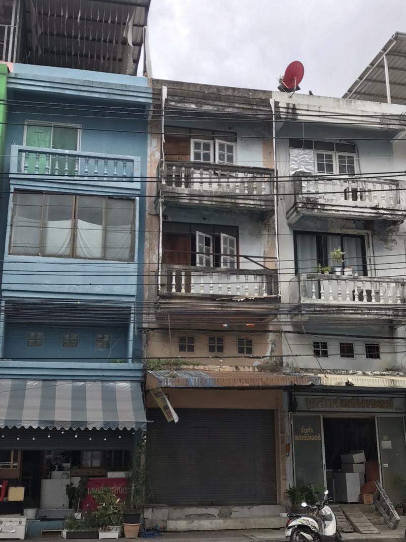 อาคารพาณิชย์ 15000 กรุงเทพมหานคร เขตลาดพร้าว