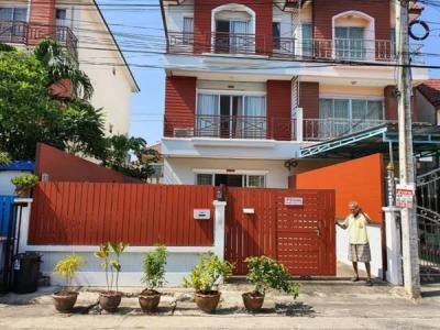 บ้านแฝด 3300000 กรุงเทพมหานคร เขตคลองสามวา บางชัน